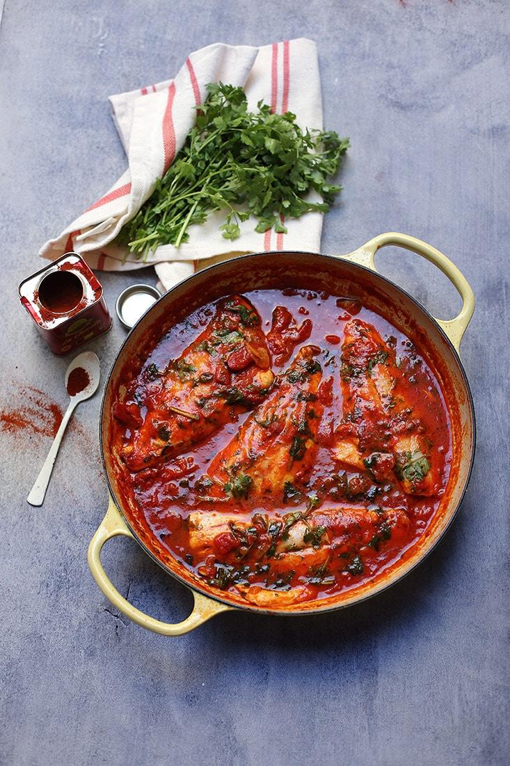 דג ברוטב עגבניות חריף