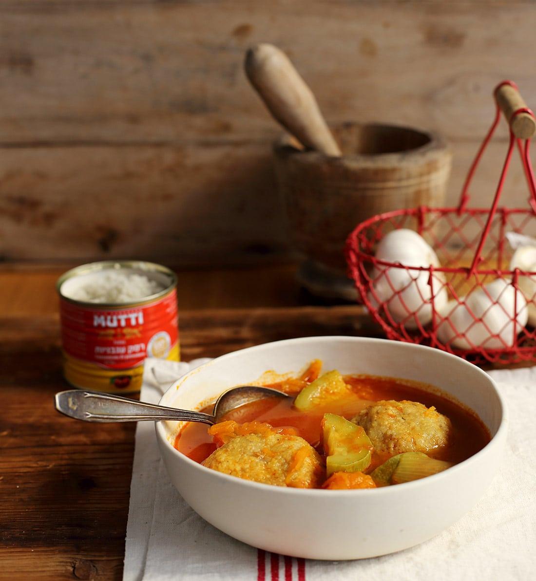 מרק קובה דלעת עם העגבניות של מוטי