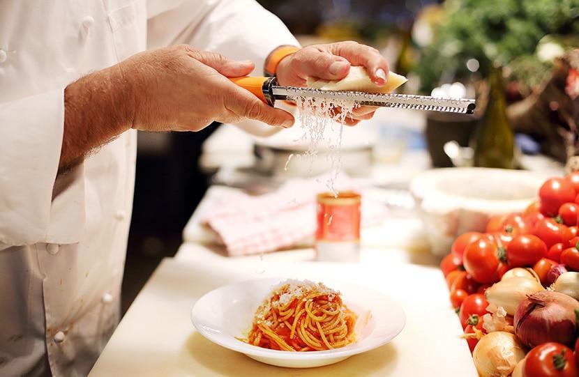 פסטה ברוטב עגבניות עם פרמז'ן